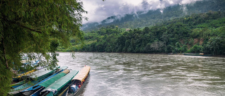 Łodzie na rzece