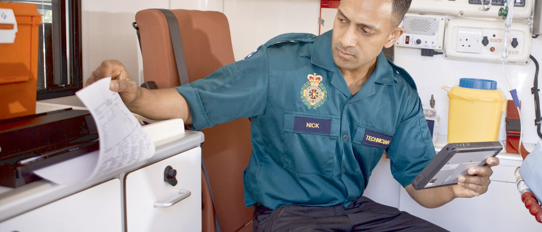 Paramedyk używa PJ-700