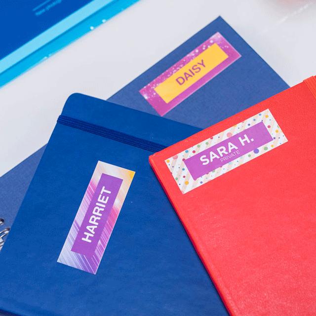 Oryginalna taśma ciągła Brother CZ-1002 o szerokości 12mm umożliwiająca druk kolorowych etykiet 15