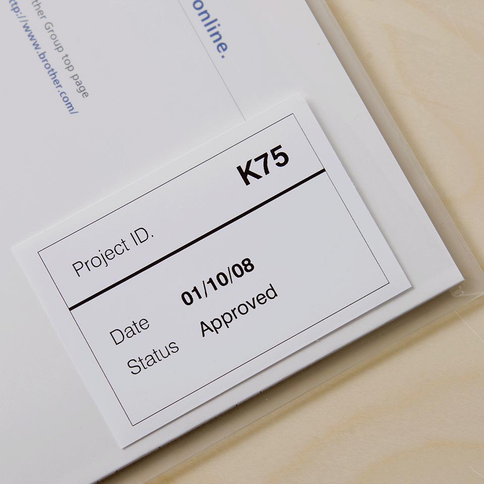 Oryginalna foliowa taśma ciągła DK-22212 firmy Brother – czarny nadruk na białym tle, 62mm 2