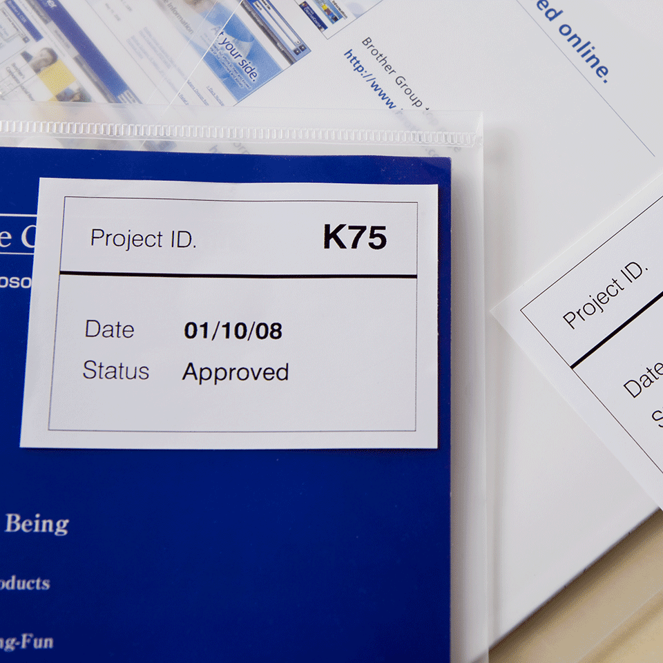 Oryginalne etykiety DK-44205 z taśmy ciągłejz usuwalnym klejem – czarny nadruk na białym tle, 62mm 2