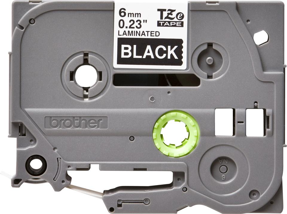 Oryginalna taśma TZe-315 firmy Brother – biały nadruk na czarnym tle, 6mm szerokości