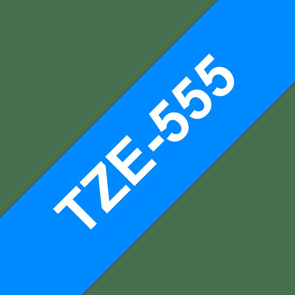 Oryginalna taśma TZe-555 firmy Brother – biały nadruk na niebieskim tle, 24mm szerokości 3